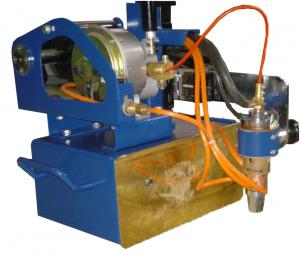 公司研制的自动焊设备