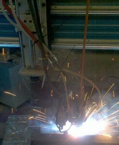 湖南艾克 -- 旋转电弧自动追踪折角焊缝